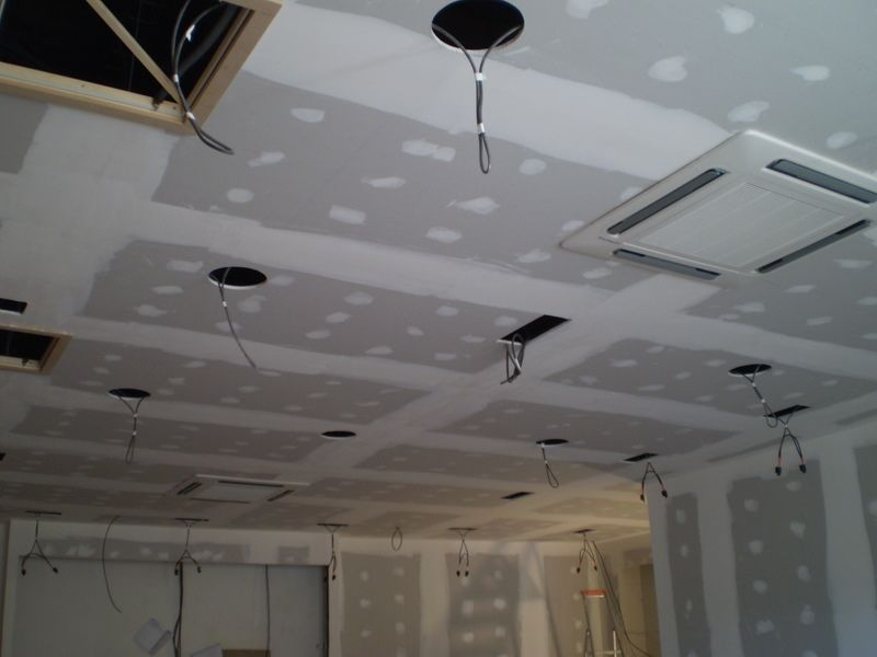 Beautiful platre pour plafond contemporary amazing house for Faux plafond en platre cuisine